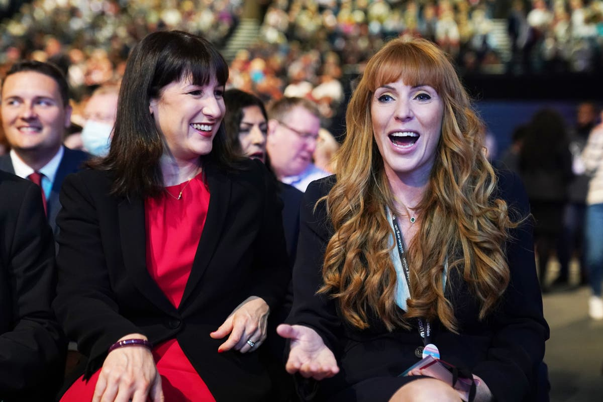 Angela Rayner belts out Don't Look Back in Anger at conference karaoke party