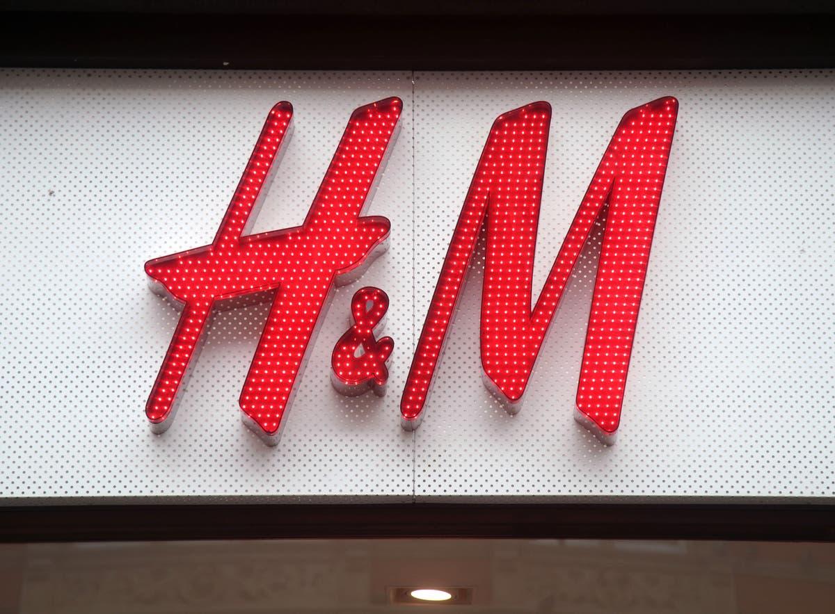 H&M profits jump amid store footfall recovery