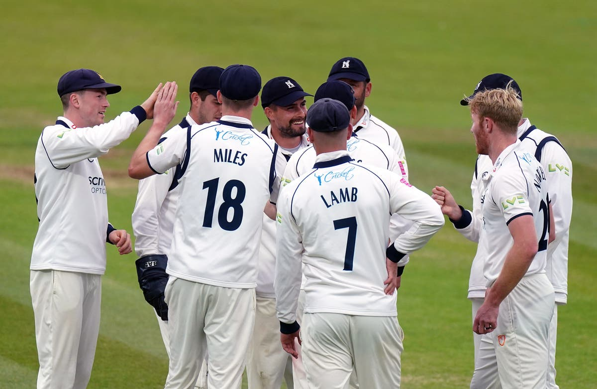 Warwickshire land glorious domestic double with Bob Willis Trophy win
