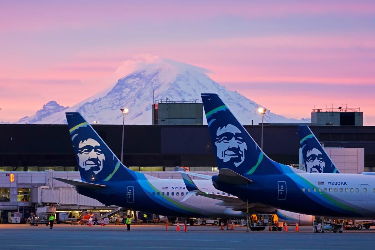 アラスカ航空は従業員にCOVID-19ワクチンを要求する