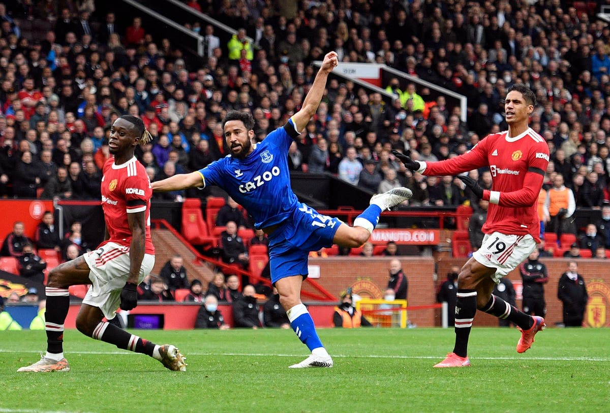 Man United left frustrated after Andros Townsend earns Everton point