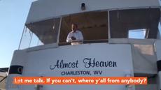 Manchin se penche sur le pont du yacht pour dire pourquoi il s'opposera à l'expansion des soins de santé
