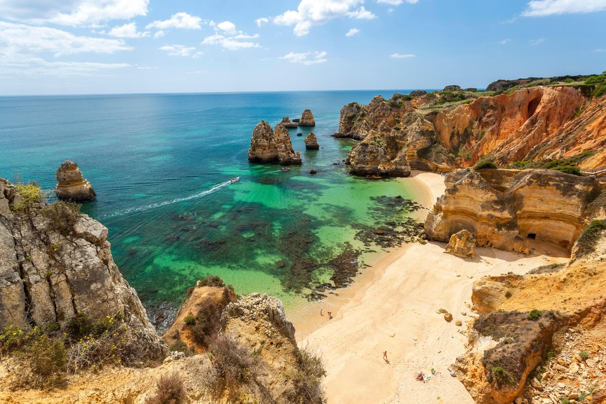 Portugal drops tests for fully vaccinated British travellers