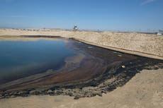 """California strender """"stengt i flere måneder"""" av oljesøl da lovgiver ber Biden om hjelp"""