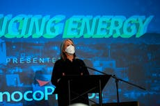 New Mexico governor thanks oil and gas, cheers hydrogen plan