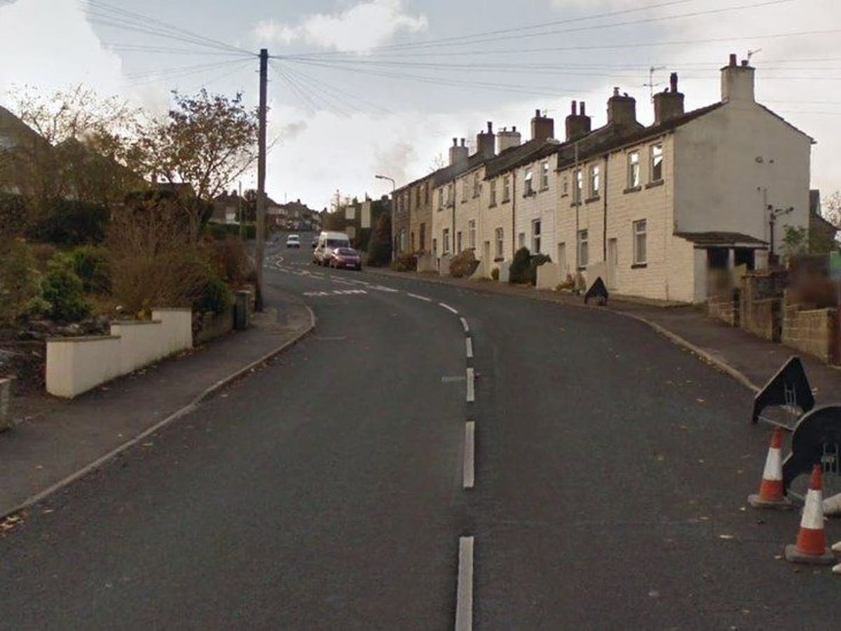 Man stabbed to death on own doorstep in row over £300