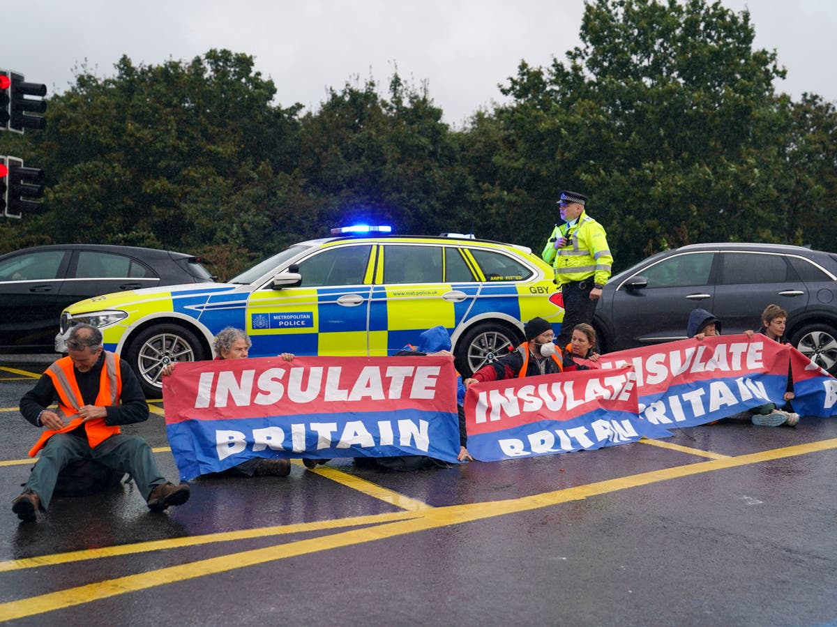 Boris Johnson brands protesters 'irresponsible crusties' for blocking motorways