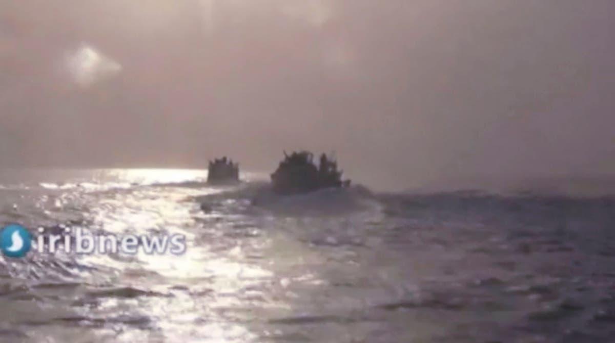 国営テレビによると、イランのスピードボートが米海軍の艦艇を迎撃した