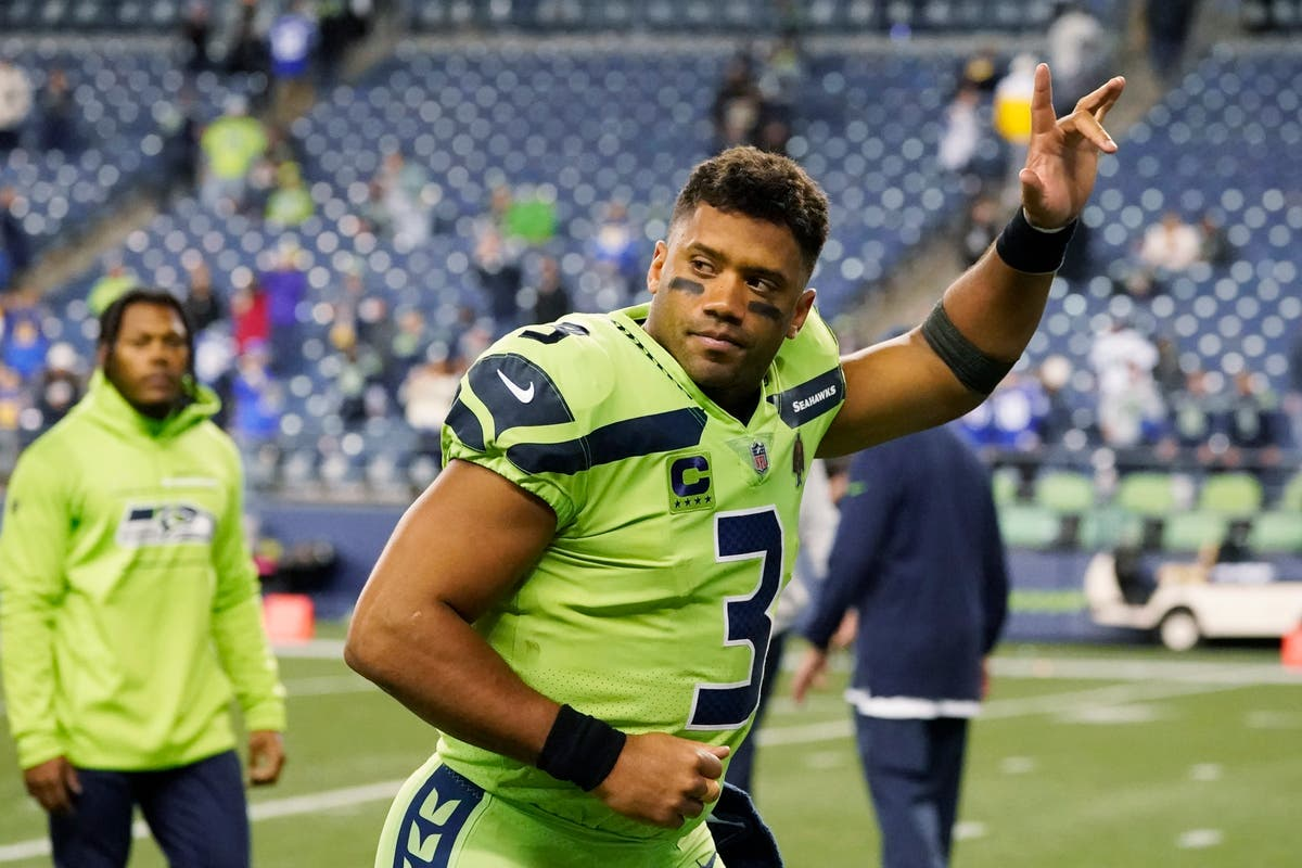 Russell Wilson departs with injury as Seattle Seahawks fall to Los Angeles Rams