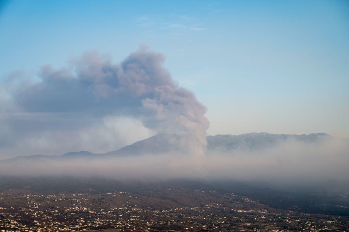 Volcano forces La Liga match postponement