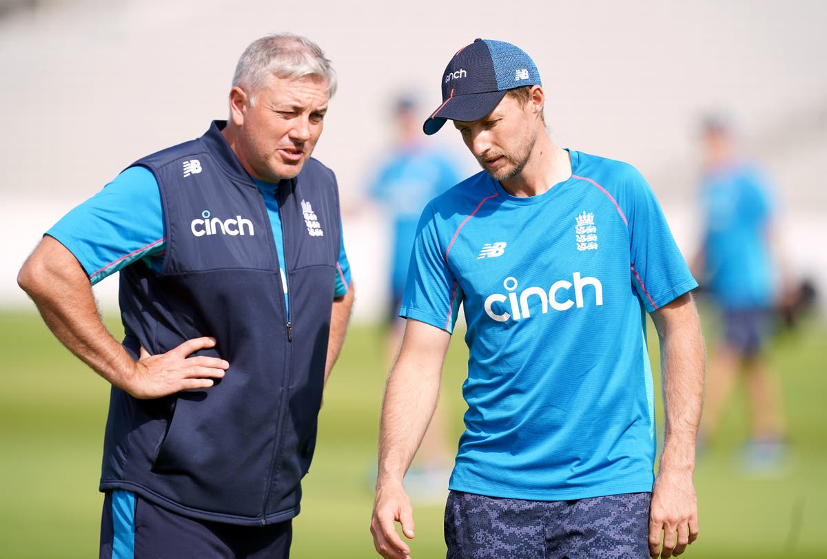 England prepare to name strong Ashes squad as withdrawal threat eases