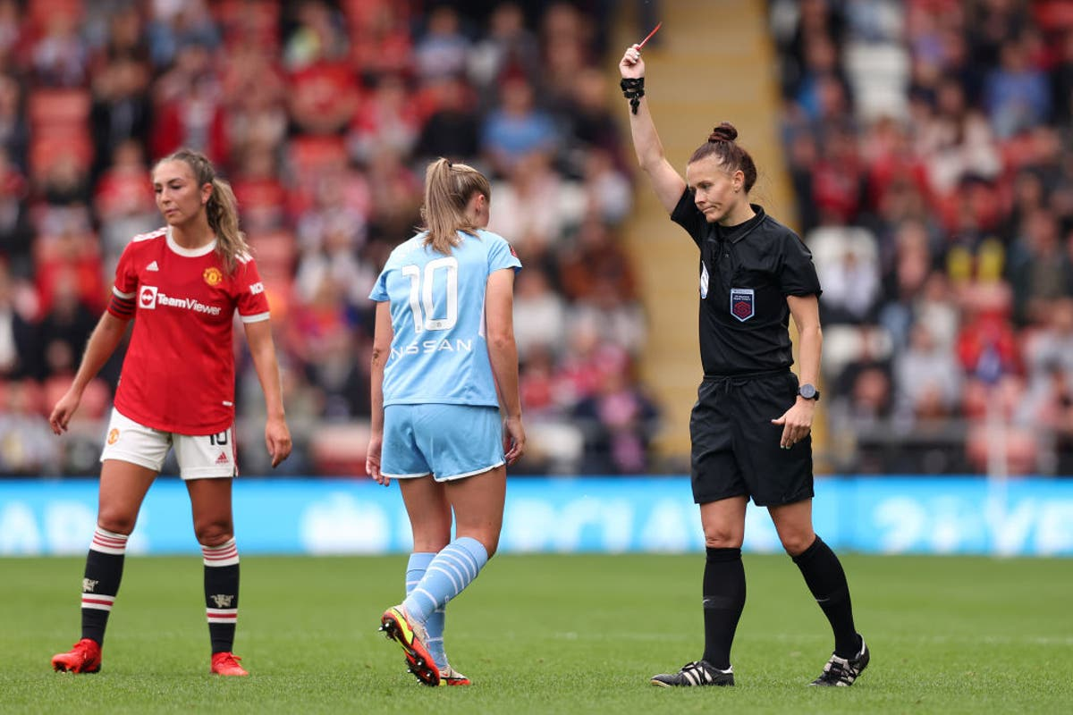 Manchester derby ends in thrilling draw after Georgia Stanway sent-off for City