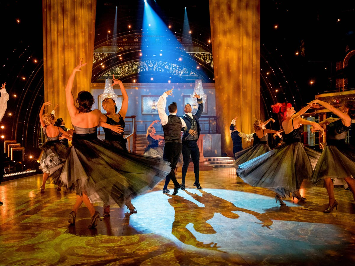 Strictly viewers call 'beautiful' same-sex pro dance the 'best group dance ever'