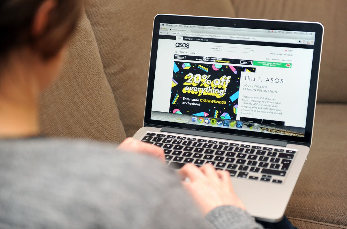 Asos boss quits after profit warning amid supply chain woes