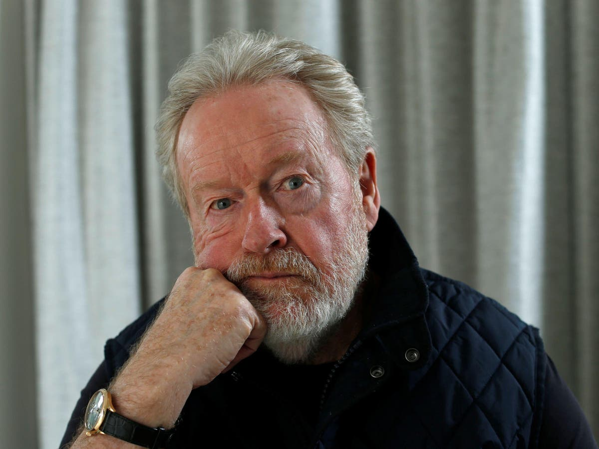 Ridley Scott: 'Cinemas should not be allowed to go away'