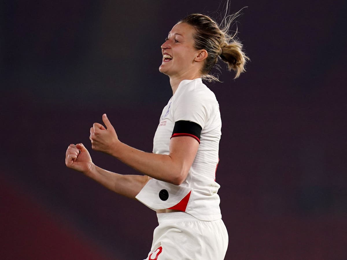 Kelly Smith expects 'all-round finisher' Ellen White to break her England record