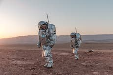 'Analog astronauts' isolate on fake Mars desert to prepare humans for future missions