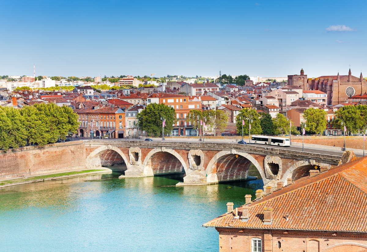 Onde comer, bebida, shop and stay in Toulouse, France's underrated Pink City