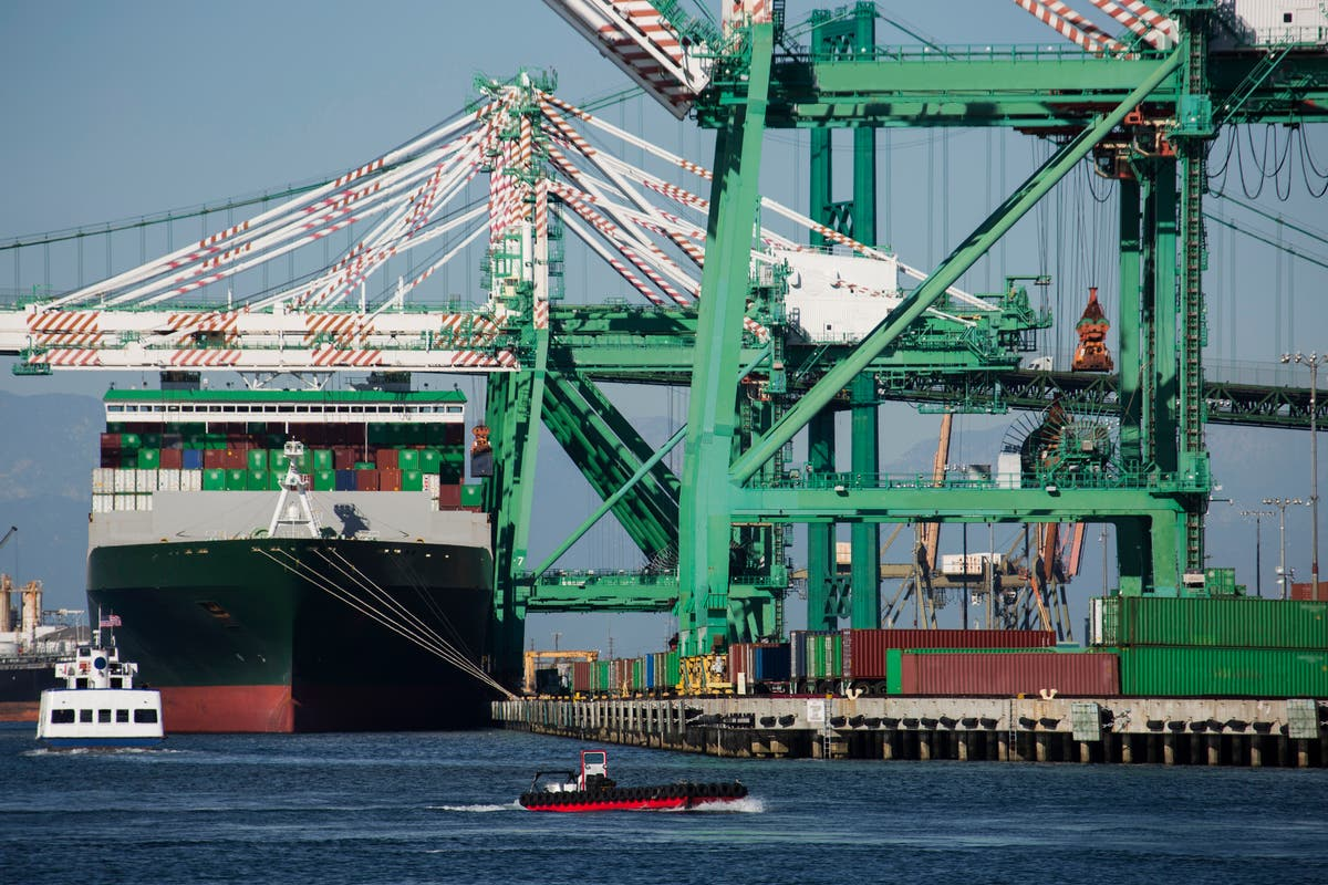 Port of Los Angeles to work 24/7 to avert holiday shortages