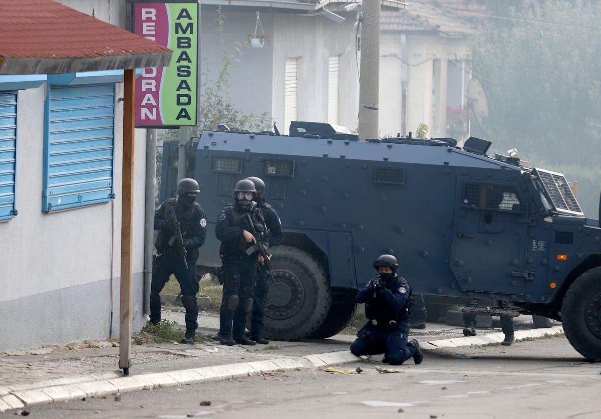 Kosovo police clash with ethnic Serbs during smuggling raids