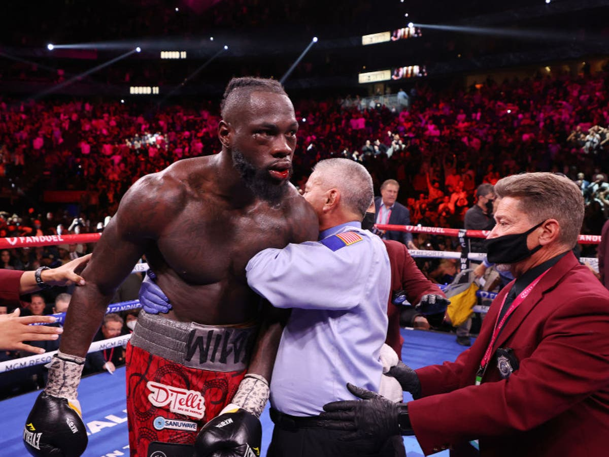 Canelo Alvarez tells Deontay Wilder how he can improve after Tyson Fury defeat