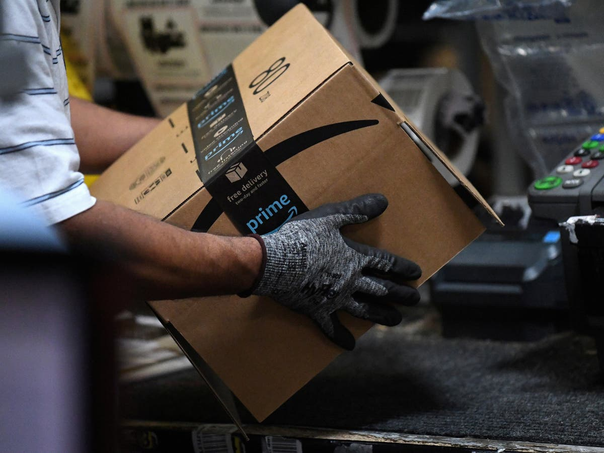 Order your Christmas presents by November, Amazon warns shoppers