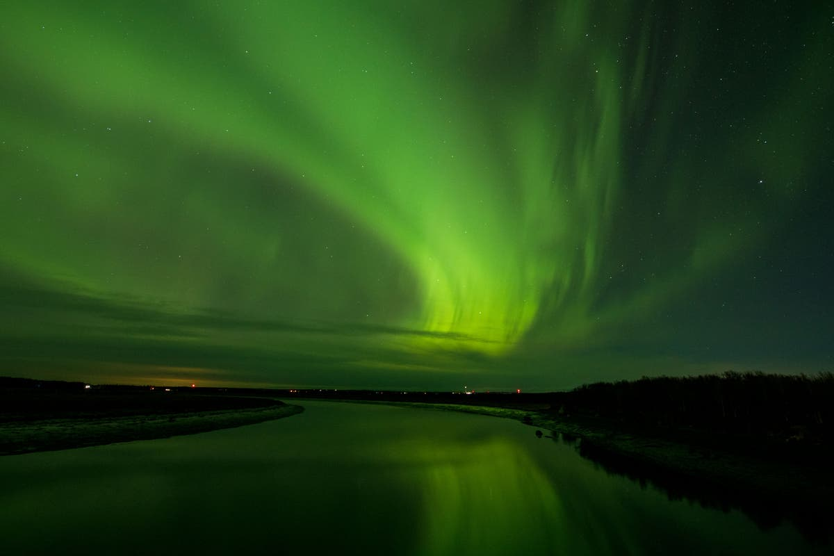 Northern Lights put on magical display in northern US states
