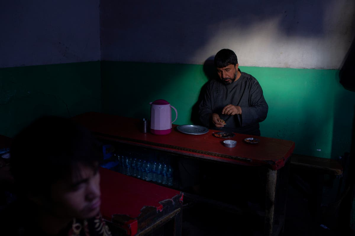 Afghanistan faces record hunger crisis as children starve to death in Kabul
