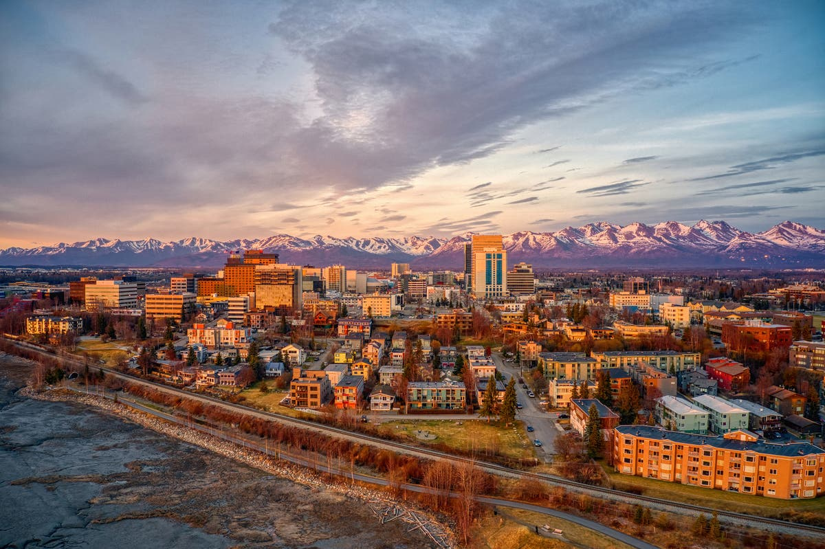 Alaska doctors make life-or-death decisions during Covid-19 surge