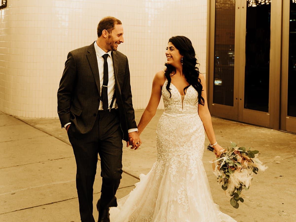 Bride blames Southwest for being forced to wed with no family present