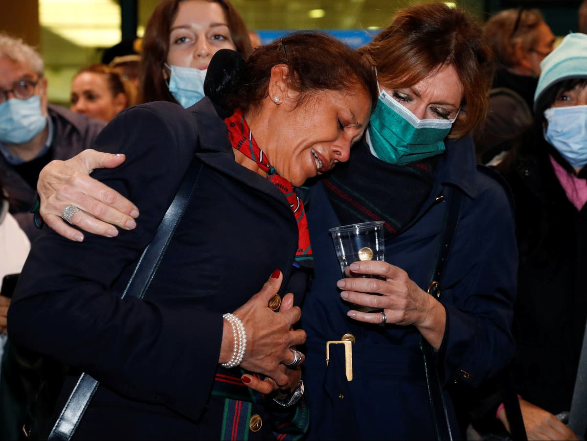 Long-bankrupt Alitalia makes final flight