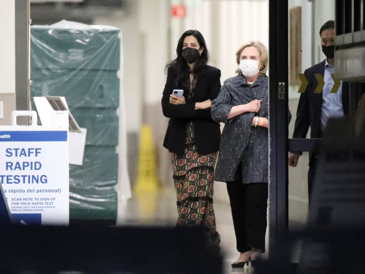 Hillary Clinton pictured visiting Bill in hospital