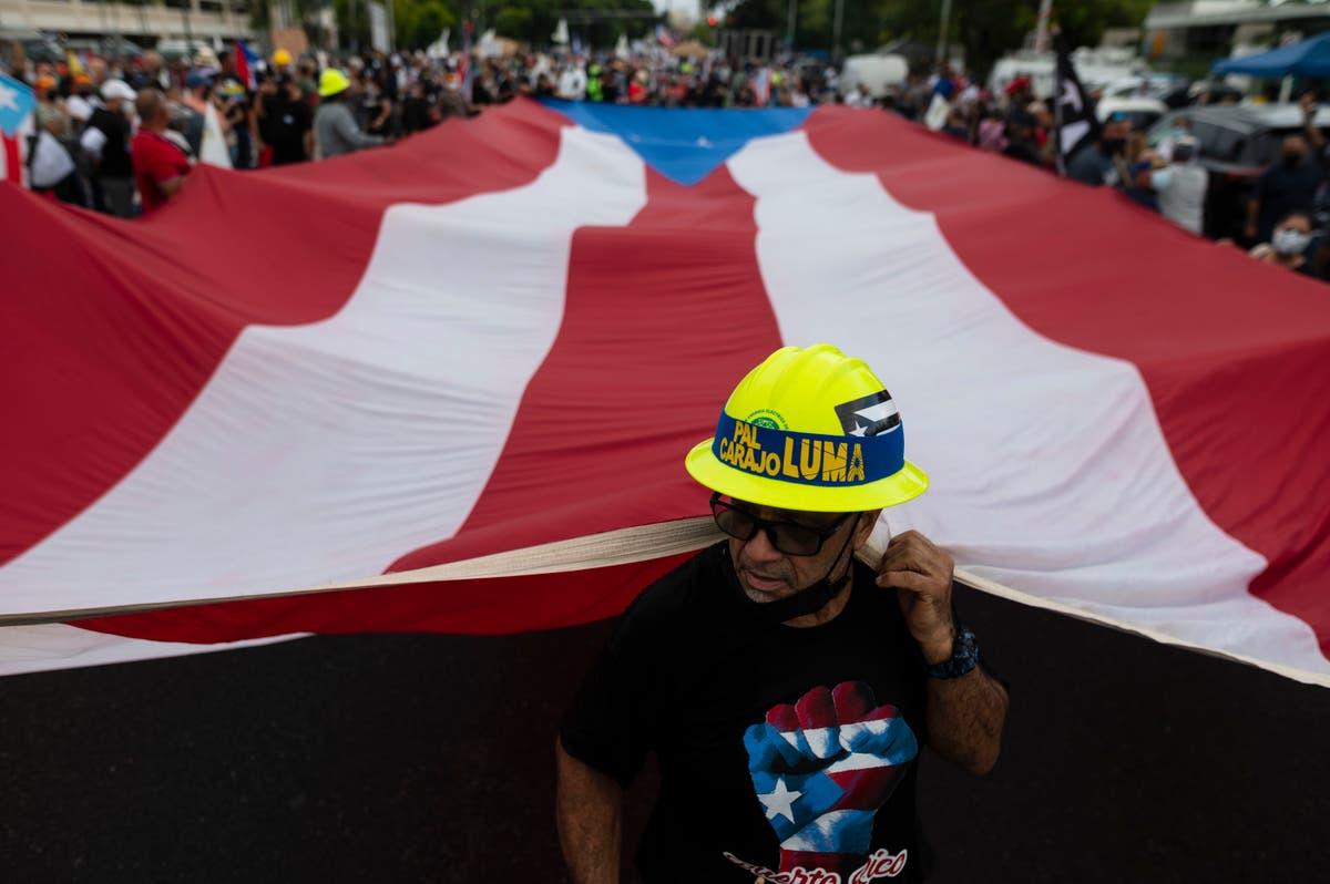 Milhares marcham em Porto Rico, indignado com quedas de energia