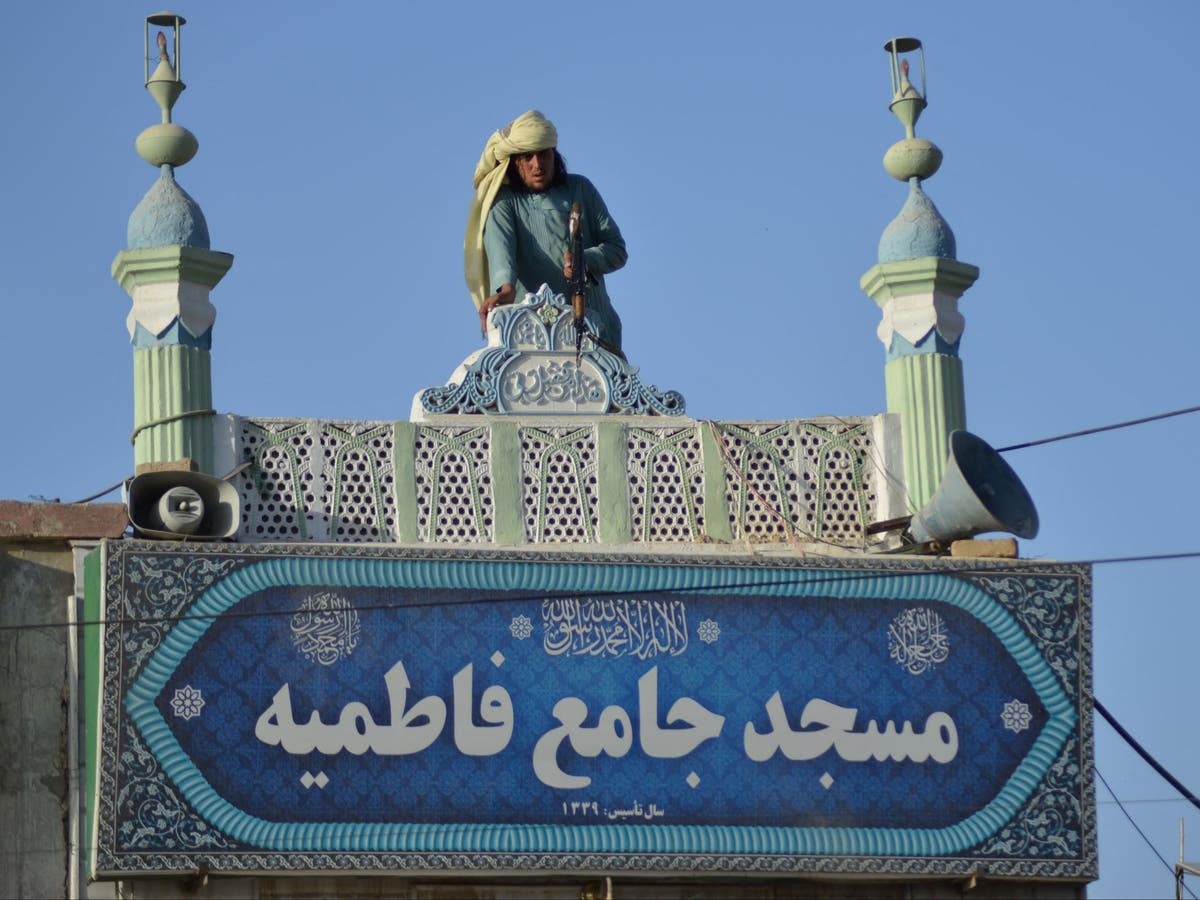 Taliban belowe om veiligheid by Sjiïtiese moskees te versterk ná selfmoordaanvalle