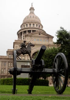 Texas sued as GOP closes in on passing redrawn US House maps