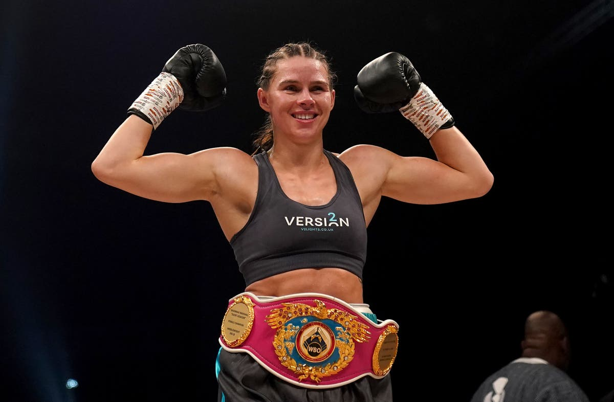 Savannah Marshall makes quick work of Lolita Muzeya in first title defence