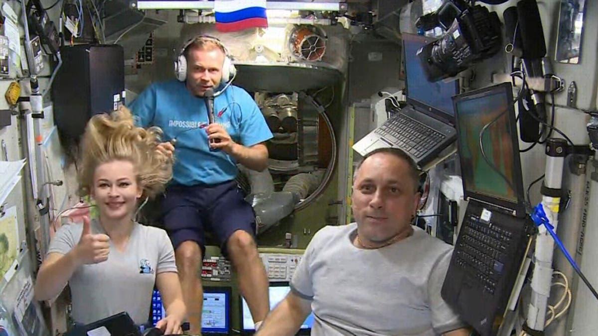 俄罗斯电影制片人从空间站前往地球
