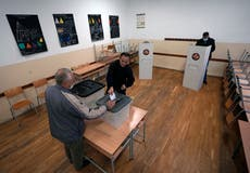 Kosovo votes in municipal elections, focus at Pristina race