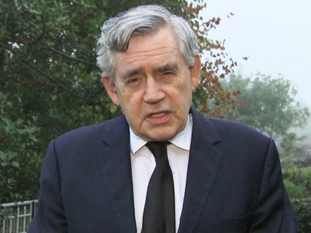 L'échec du monde riche à partager les vaccins Covid est «criminel», dit Gordon Brown
