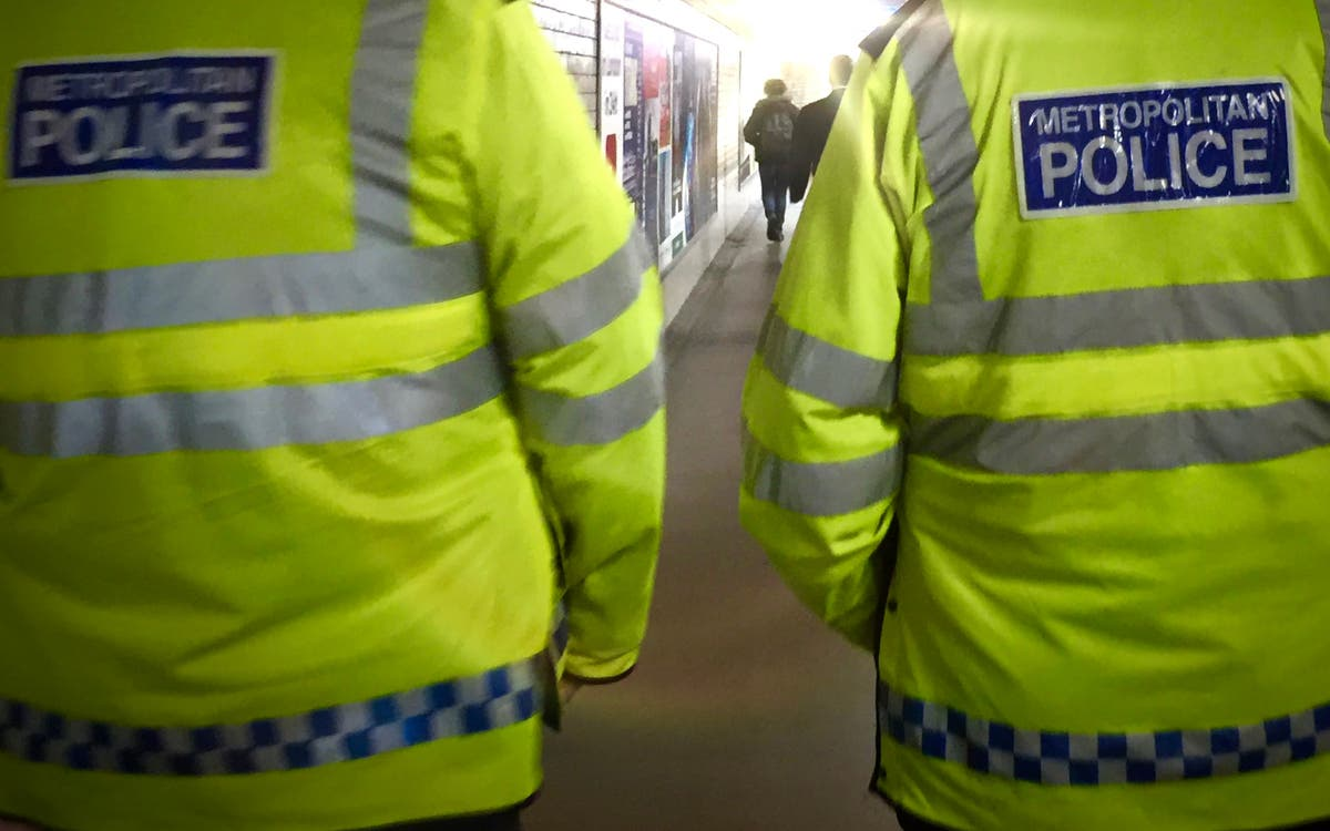 Metropolitan Police handed officer personal details of woman who complained about him