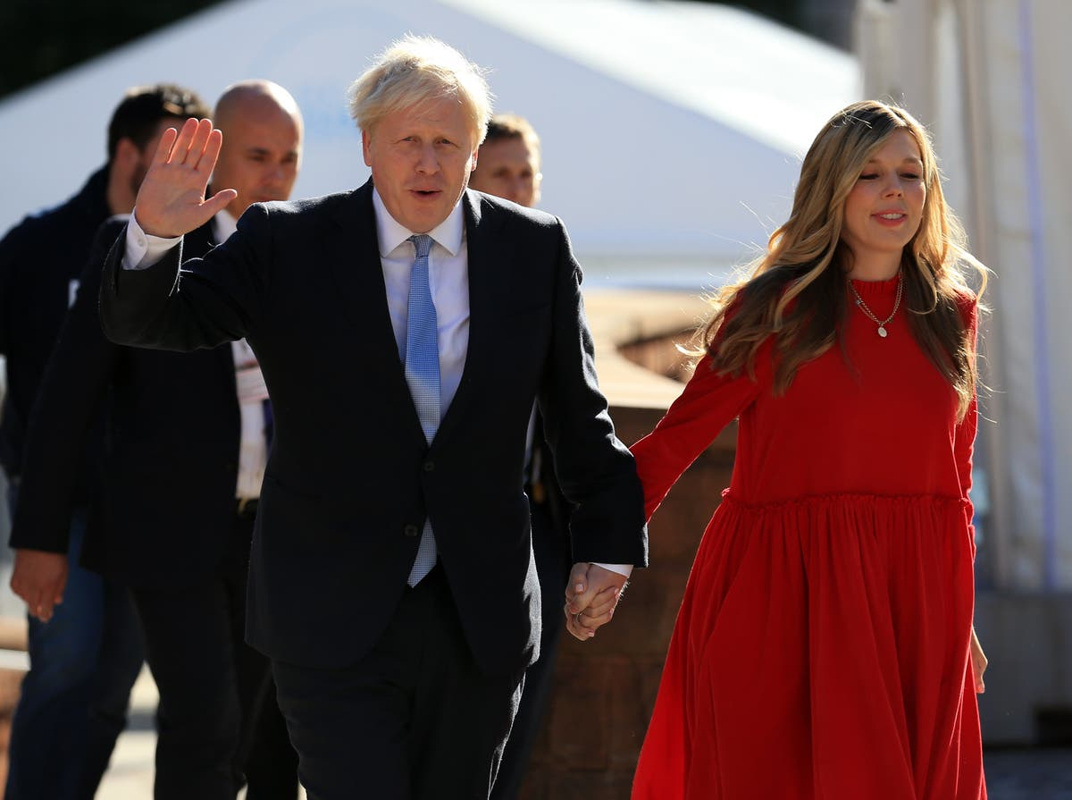 Nei 10 denies Boris and Carrie Johnson broke lockdown rules at Christmas