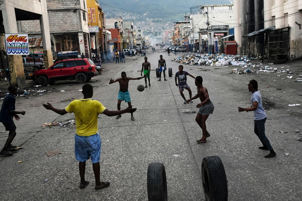 Protest strike shuts down Haiti amid search for missionaries