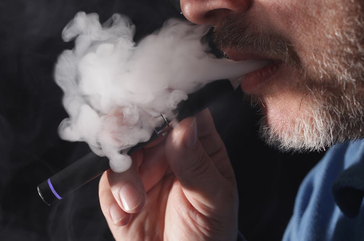 E-cigarettes don't help people quit smoking, says new research