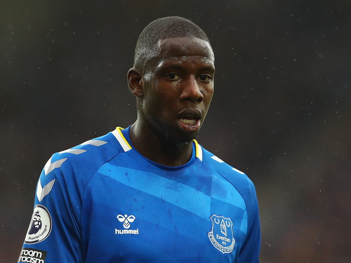 Everton midfielder Abdoulaye Doucoure sustains stress fracture in foot