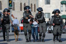Palestinians clash with Israeli police in Jerusalem