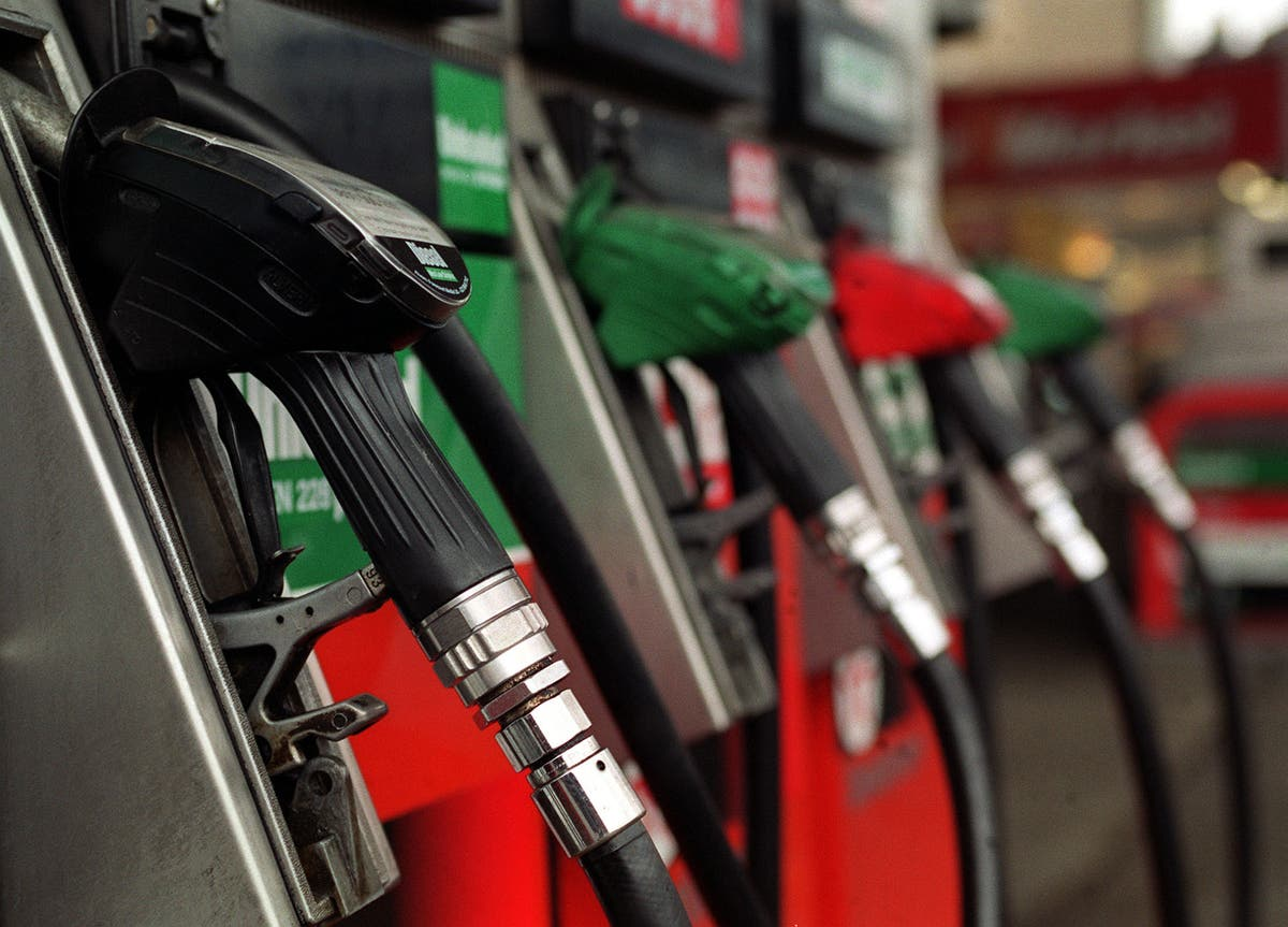 Inflation edges lower despite rising fuel prices