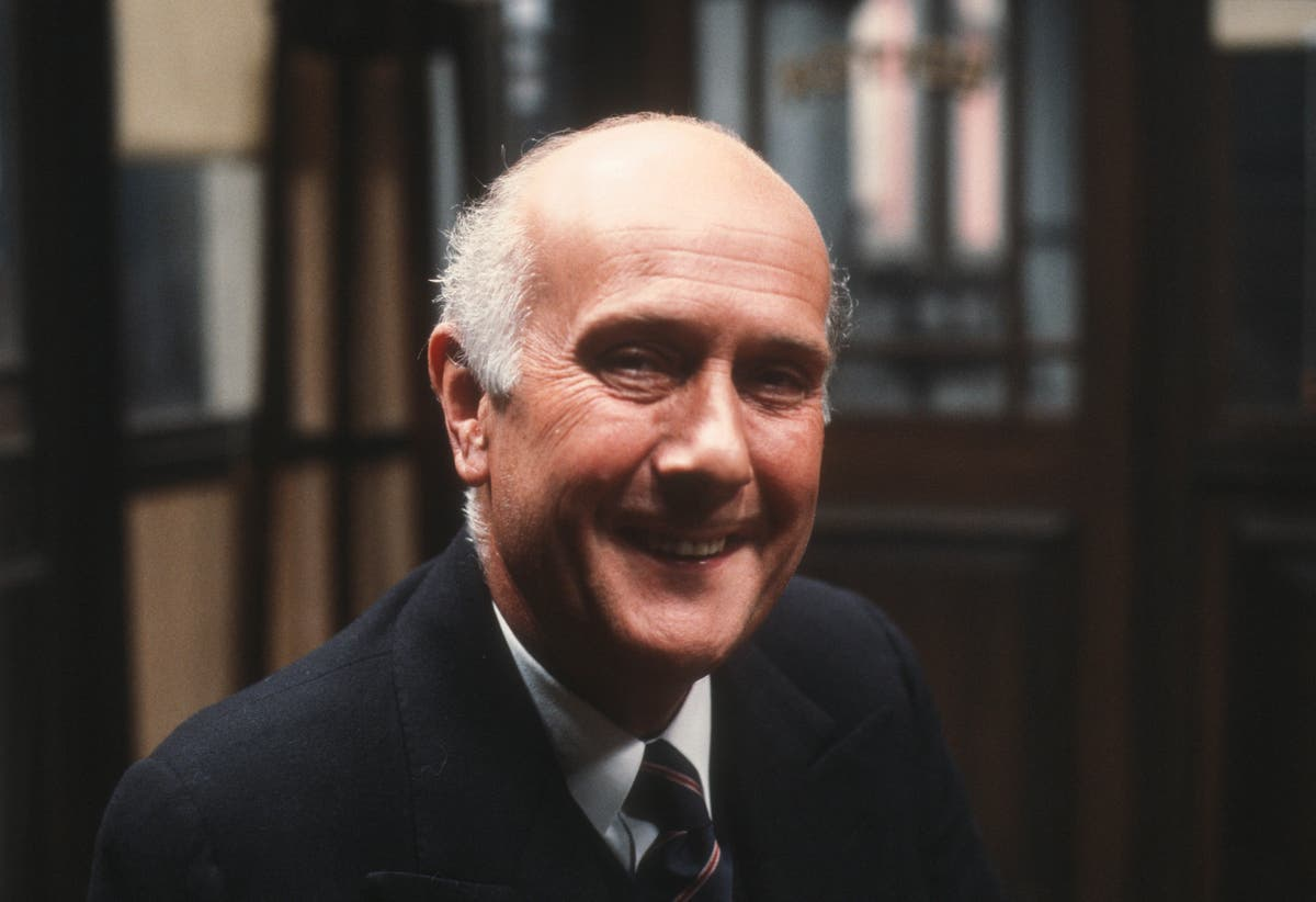 Geoffrey Chater: Character actor who appeared in decades of British TV