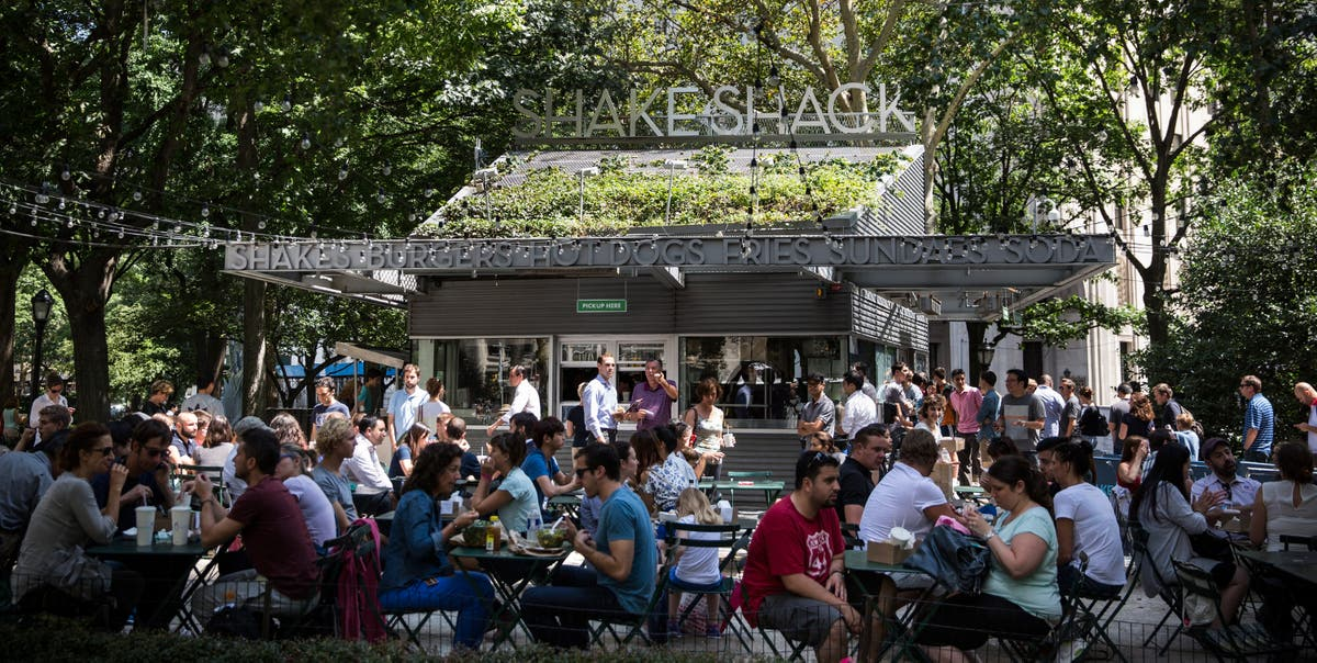 Shake Shack founder calls for $15 an hour minimum wage in restaurants