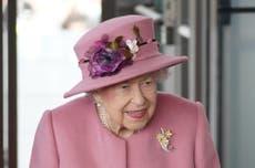 女王取消北爱尔兰之行后在医院过夜