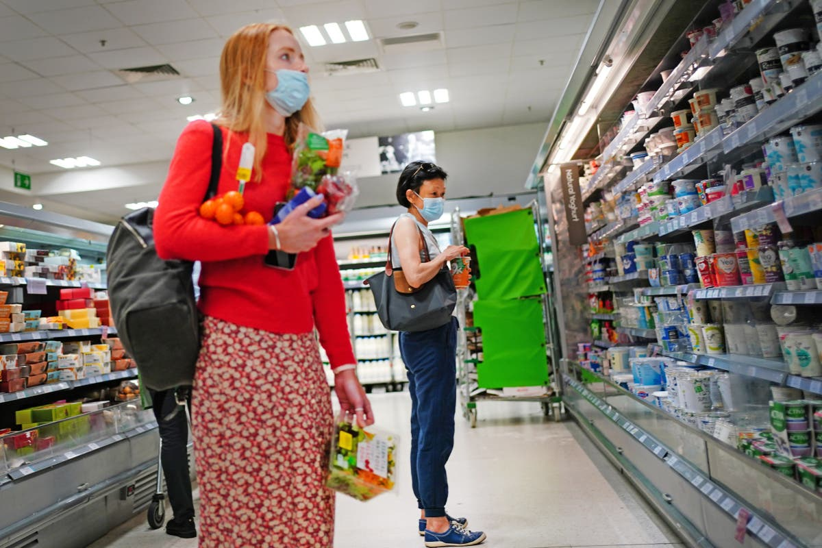 Retail sales fall for fifth consecutive month